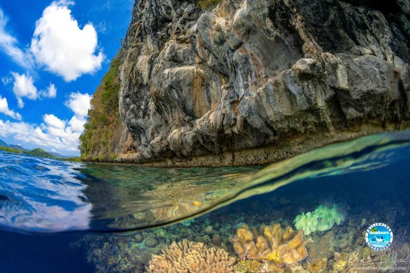 Shark Fin Bay, Palawan, Philippines by Pierlo Pablo